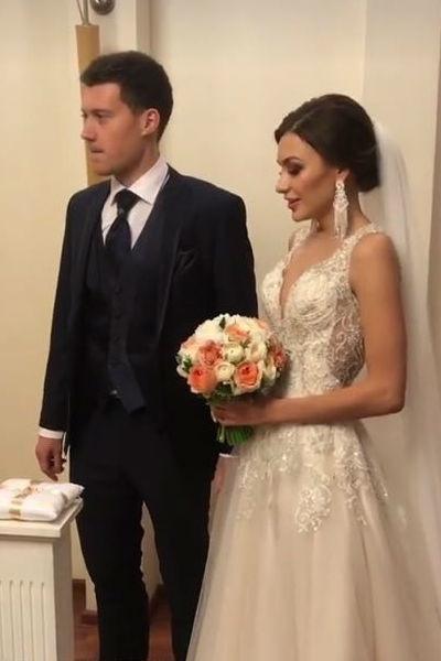 Супруги Погребняк погуляли на шикарной свадьбе родственника