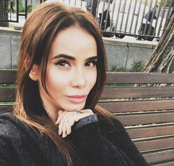 Айза Анохина рассказала о семейных проблемах с супругом