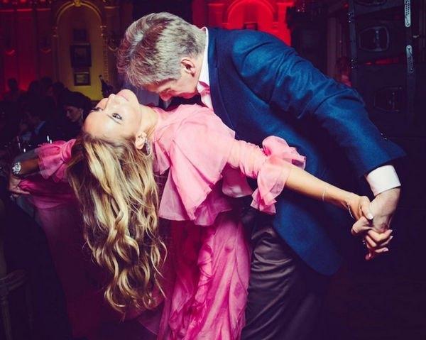 Татьяна Навка и ее муж Дмитрий Песков впервые за долгое время вместе появились на публике