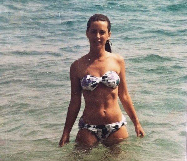Эмили Ратаковски показала фото своей стройной мамы, опровергнув слухи о пластике