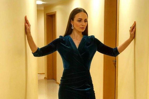 Анна Снаткина призналась, почему до сих пор скрывает свою дочку