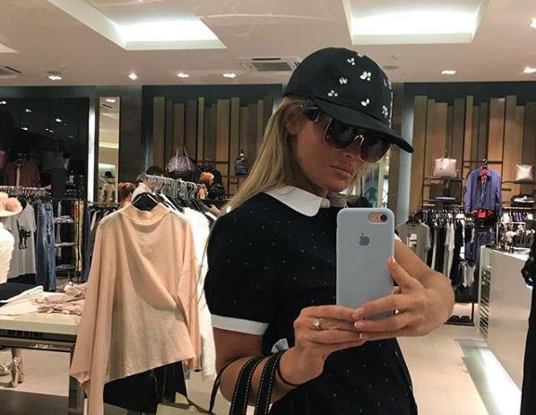 Дана Борисова пожаловалась на то, что мама отобрала у нее ключи от своей же квартиры