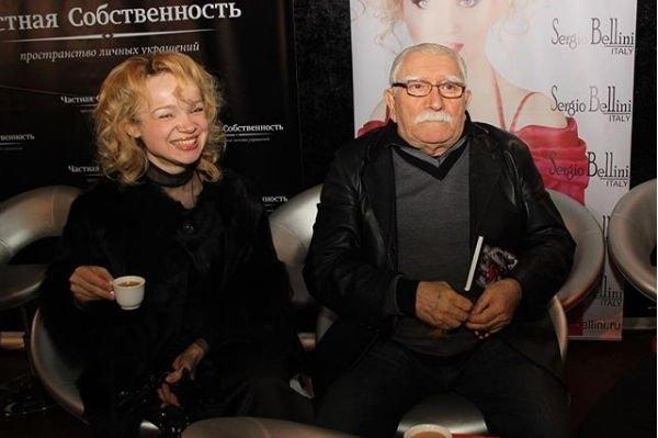 Супруга Армена Джигарханяна считает виноватым в проблемах в семье известного режиссера