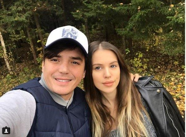 Рустам Солнцев счастлив стать ведущим на бракосочетании Евгения Кузина и Саши Артемовой