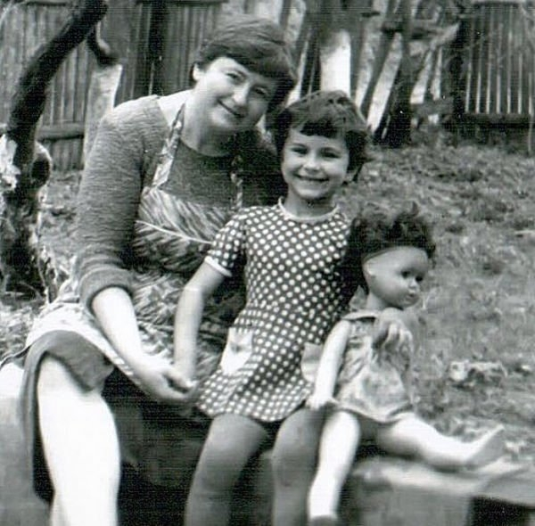 Ани Лорак показала, какой была в детстве