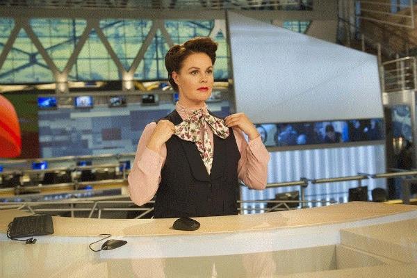 Екатерина Андреева копирует стиль советских телеведущих