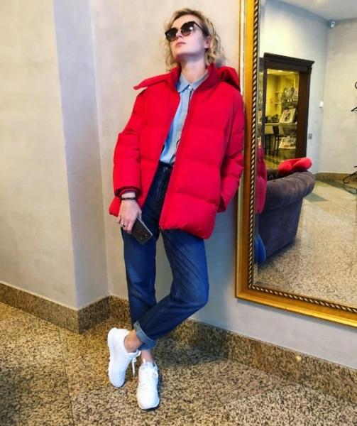 Полина Гагарина привела в восторг ярким образом