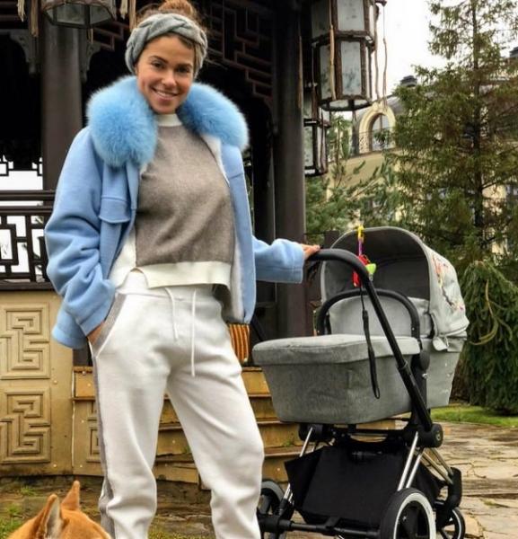 Галина Ржаксенская впервые поделилась снимком лица новорожденной дочери