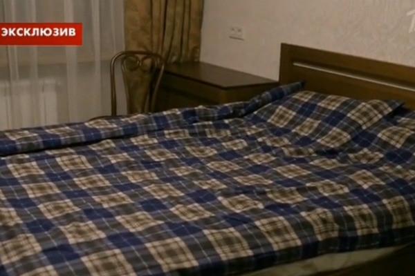 Армен Джигарханян провел экскурсию по новому дому