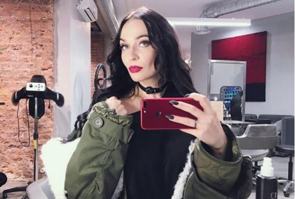 Алена Водонаева задумывается о ринопластике