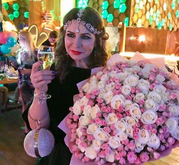 Ирина Агибалова собрала друзей на день рождения