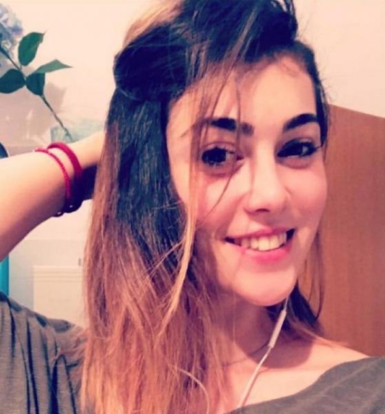 Сати Казанова многое запрещает своей 24-летней сестре