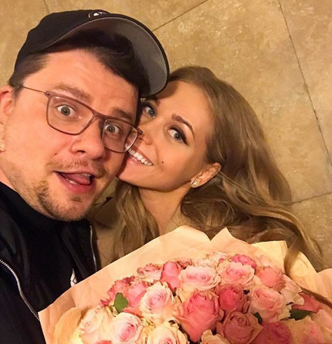 Скандальный блогер уличила Кристину Асмус в измене Гарику Харламову