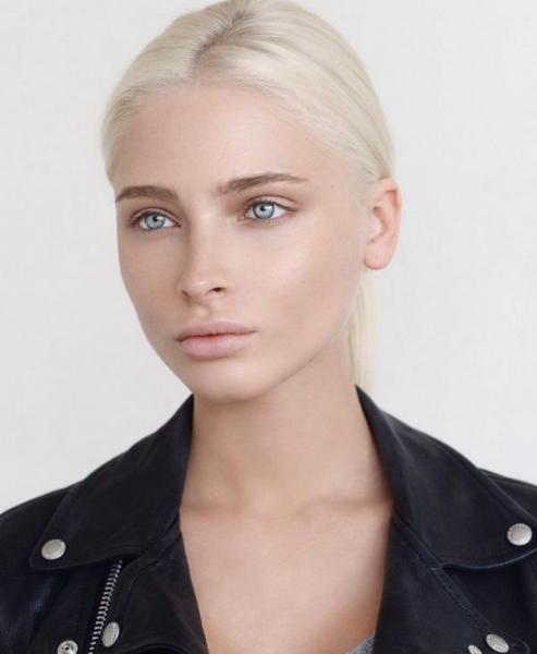 Алена Шишкова продемонстрировала естественную красоту на новом снимке