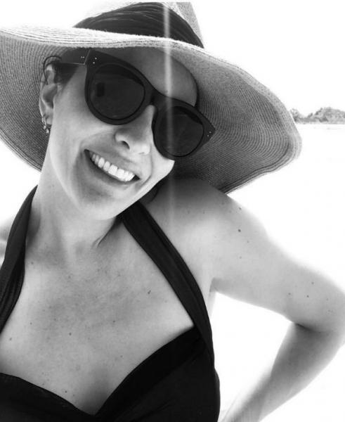40-летняя Лив Тайлер показала фигуру в прозрачном купальнике