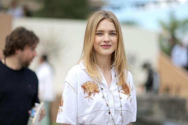 Наталья Водянова показала селфи с отдыха в компании супруга