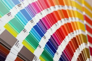 A new repair along with Color Expert: how to pick a combination of interior colors using Pantone palette