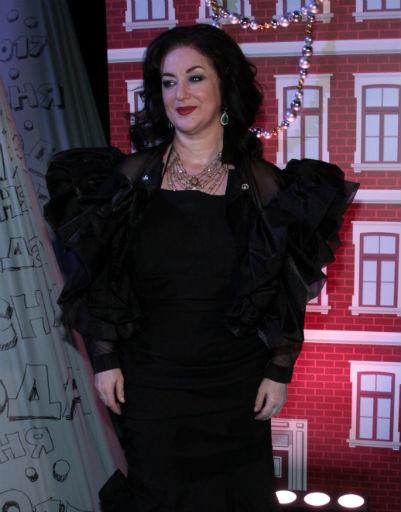 Наташа Королева и Валерия появились в прозрачных платьях на «Песне года»