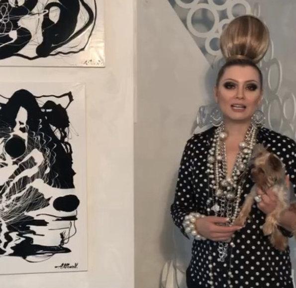 Алексей Клоков исполнил греческий каприз Лены Лениной