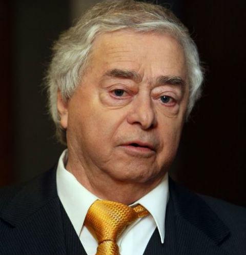 Роман Карцев хочет покоиться рядом с другом Виктором Ильченко