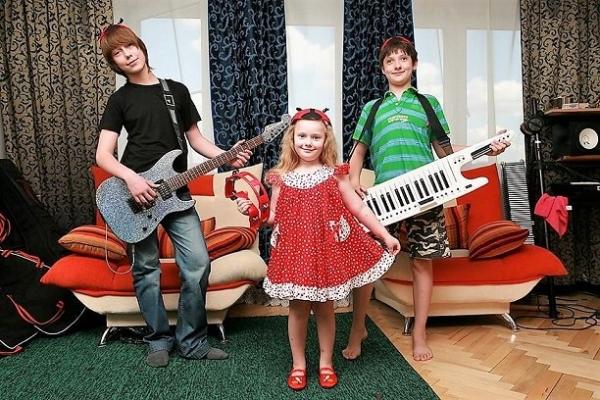Новогодние традиции музыкантов из группы «Божья коровка»