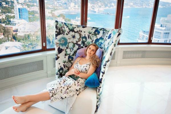 Диана Ходаковская показала квартиру в морском стиле