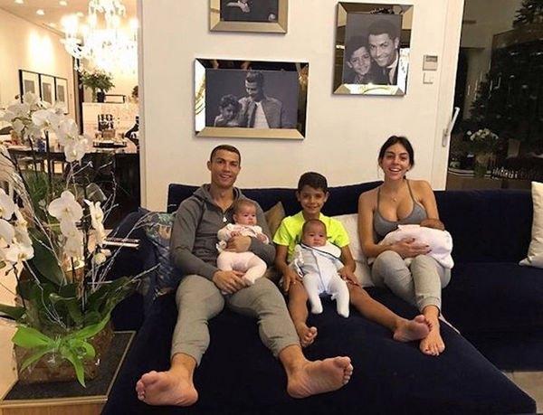 Джорджина Родригес произвела фурор трогательным снимком с дочерью