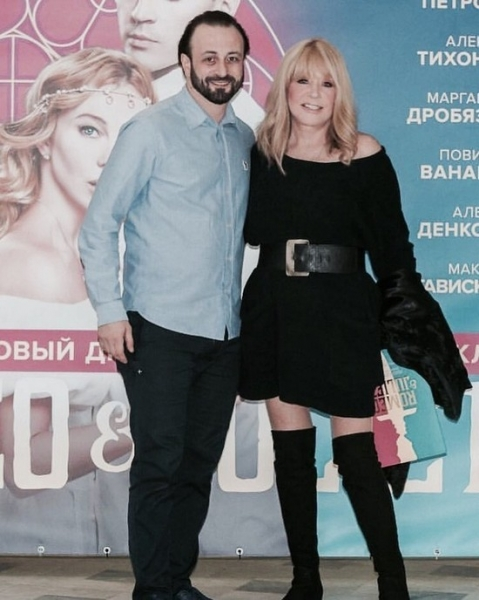 Выше колена: как носят ботфорты Кардашьян, Перминова и Пугачева