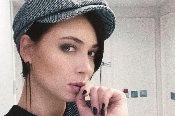 Настасья Самбурская заставила говорить о проблемах в отношениях с мужем