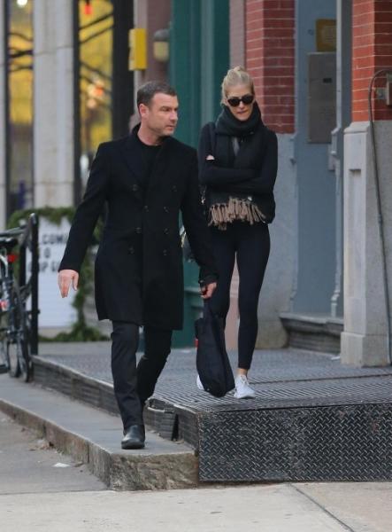 Лив Шрайбер встречается с моделью моложе его вдвое