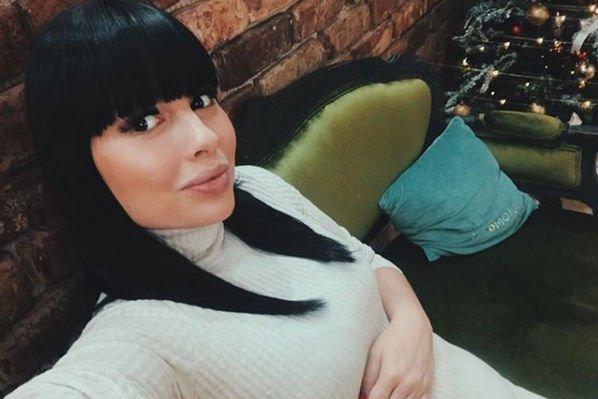Беременная Нелли Ермолаева отказалась от долгой поездки ради здоровья будущего малыша