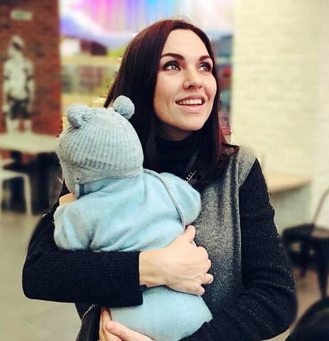 Надя Ручка впервые показала лицо сына