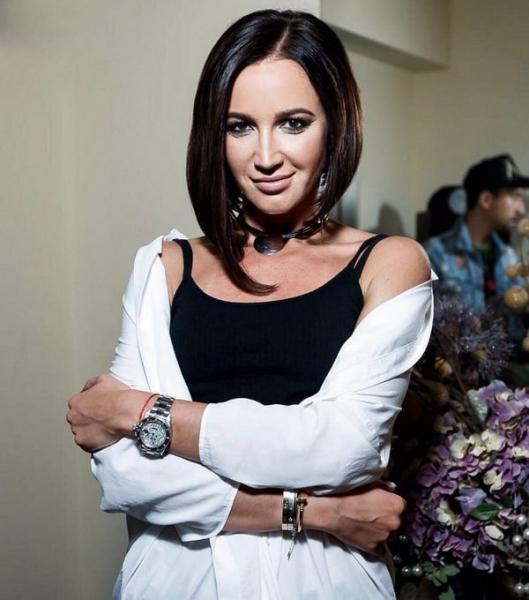 Ольга Бузова подверглась жесткой критике за обильный макияж