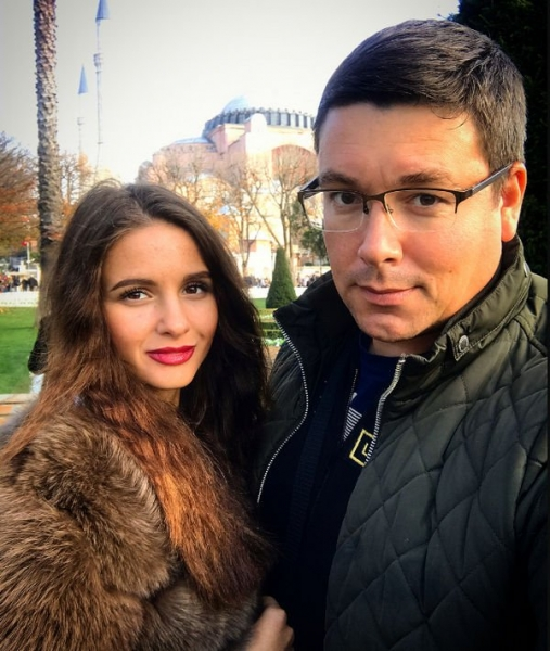 Андрей Чуев связал себя узами брака с молодой возлюбленной