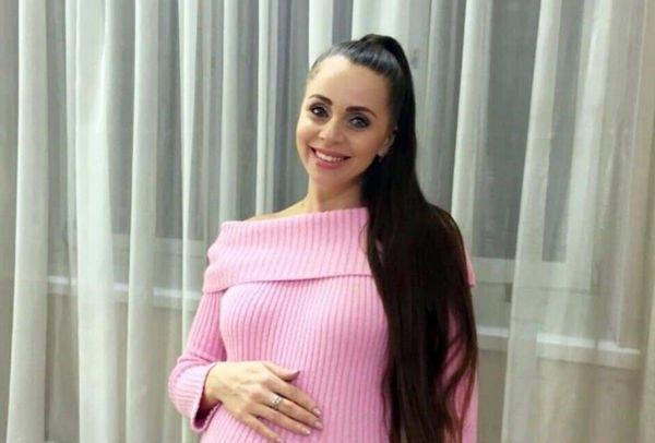 Беременная Ольга Рапунцель хочет найти отца своему будущему ребенку