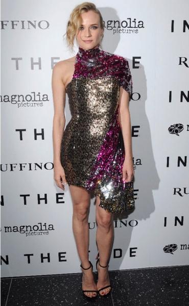 Диана Крюгер испортила свою стройную фигуру неудачным платьем