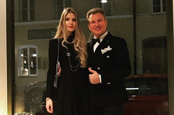 Поклонники поражены удивительным сходством дочери Александра Малинина со знаменитым отцом