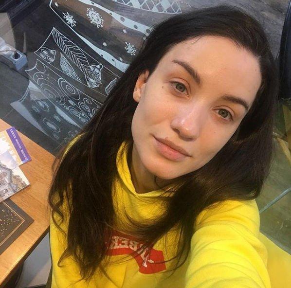 Виктория Дайнеко поделилась снимком без грамма косметики