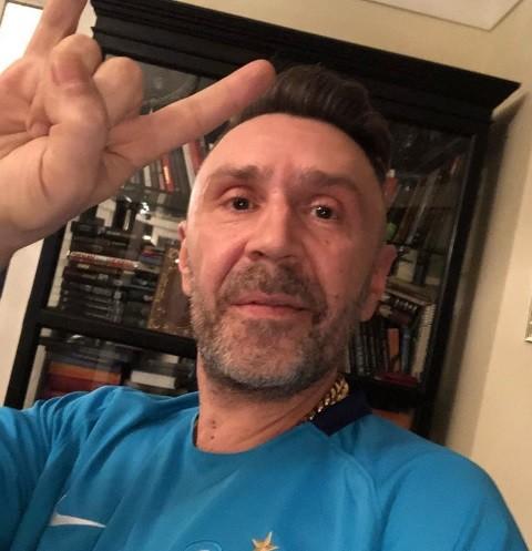 Сергей Шнуров избавляется от пагубного пристрастия на роскошном курорте