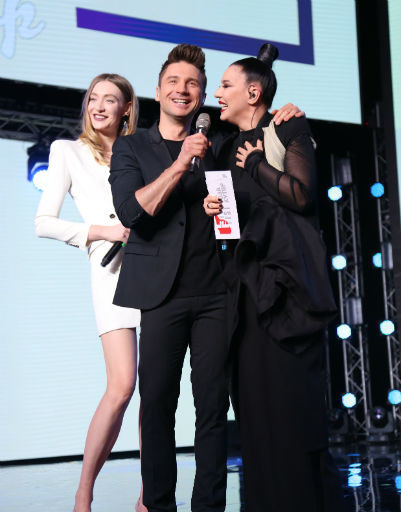 Лазарев, Подольская и Нюша зажгли на LiveFest
