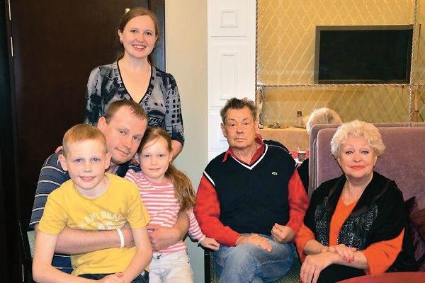 Опухоль Николая Караченцова уменьшилась на 7 сантиметров