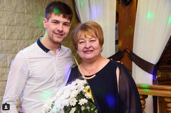 Ольга Рапунцель пытается помириться с мамой Дмитрия Дмитренко