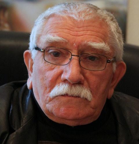 Армен Джигарханян боится ездить на могилу дочери