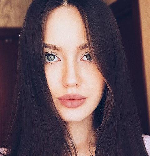 Жена Дмитрия Тарасова ответила на критику их свадьбы