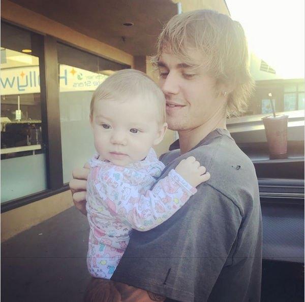 Джастин Бибер произвел фурор снимком с младенцем