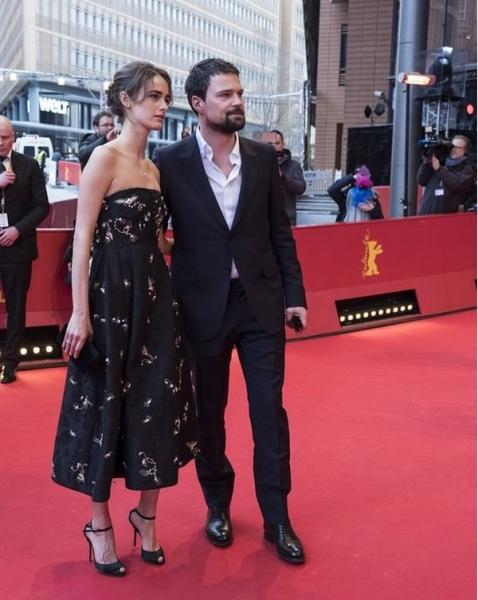 Данила Козловский с возлюбленной появился на Берлинском кинофестивале