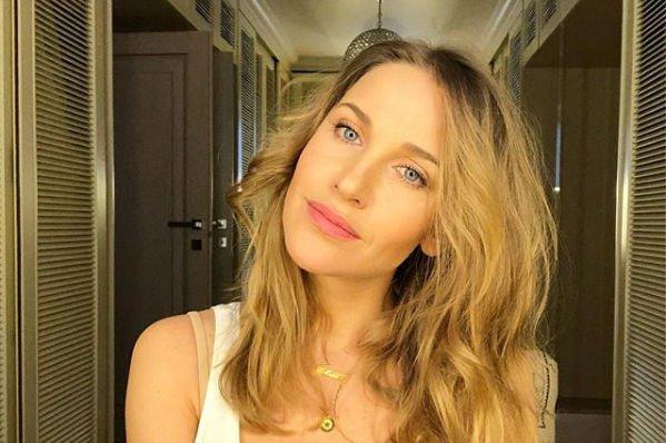 Фанаты Юлии Ковальчук раскритиковали звезду за то, что она скрывает имя дочери