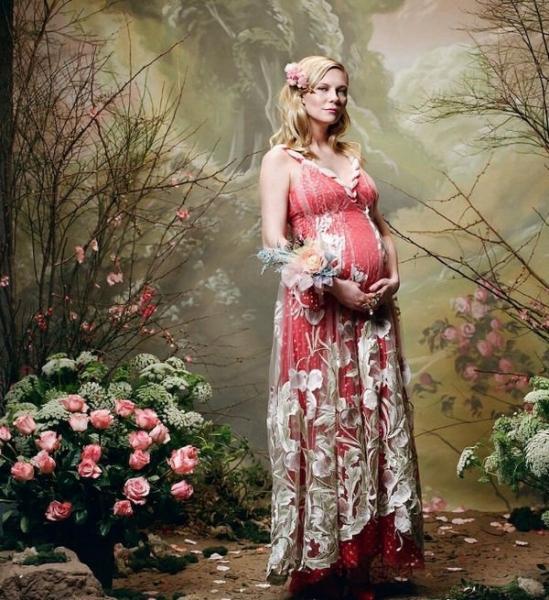Кирстен Данст официально сообщила о своей беременности, снявшись в новой фотосессии
