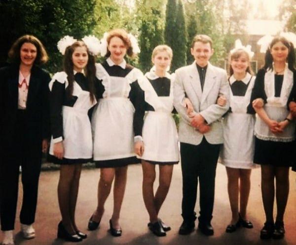 Юлия Снигирь восхитила своей школьной фотографией