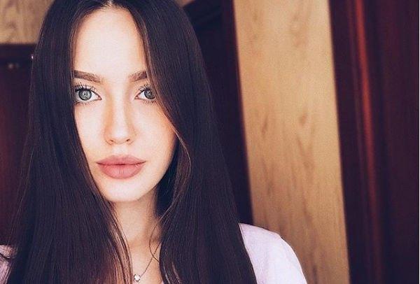 Анастасия Костенко обратилась к своей маме, попросив у нее прощения